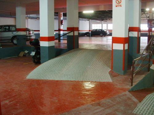 Tratamientos para cubiertas pintores en malaga economicos for Zocalos para garajes